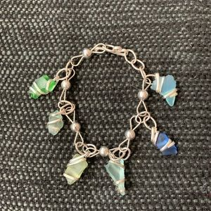 "Beach glass bracelet 7 1/2"" long"